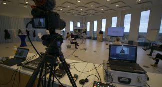 livestream video door Young Motion